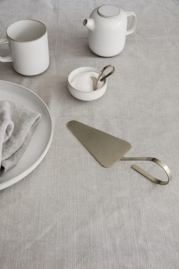 Ferm living fein sprinkle spoon brass livland.